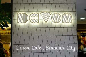Cleaning ducting exhaust fan blower filter hood kitchen Devon Cafe Senayan City Jakarta